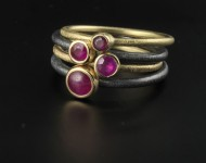 elajoyas. Byzantine gold and oxidized silver rings with ruby