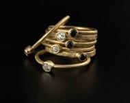 elajoyas. Anillos bizantinos de oro, diamante negro y blanco